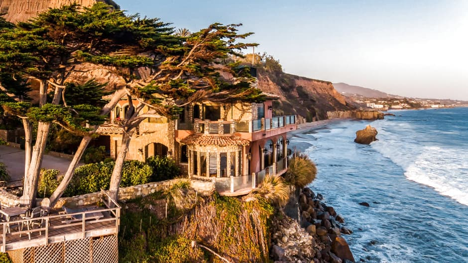 Edlich's home looks like it was plucked from the Tuscan countryside and perched on a cliff in Malibu.