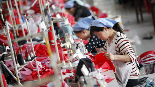 Workshops in Huaibei, Anhui province, work in a fabric factory that is exported to the European Union to the European Union.