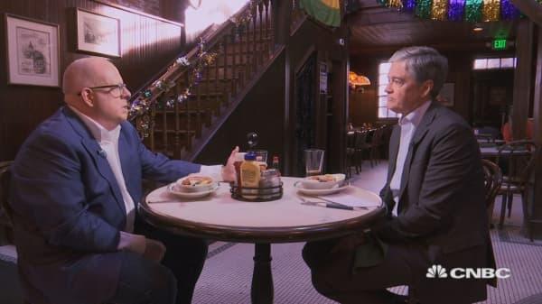 As anti-Trump Republicans implore him to run in 2020, MD Gov. Larry Hogan heads to Iowa