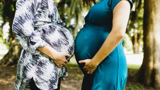 "Ochsner's ""Connected MOM"" program is free to pregnant women."