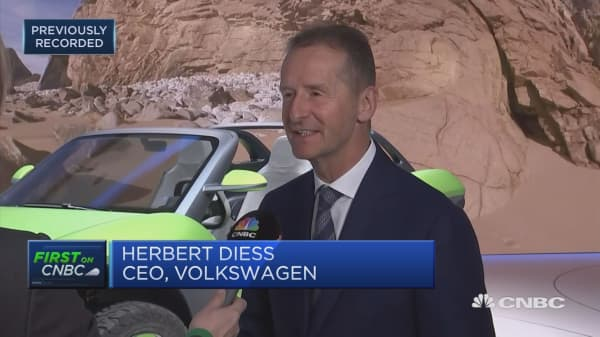Volkswagen unveils an electric dune buggy at Geneva Motor Show