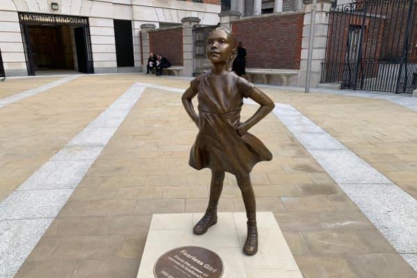 Fearless Girl statue in London