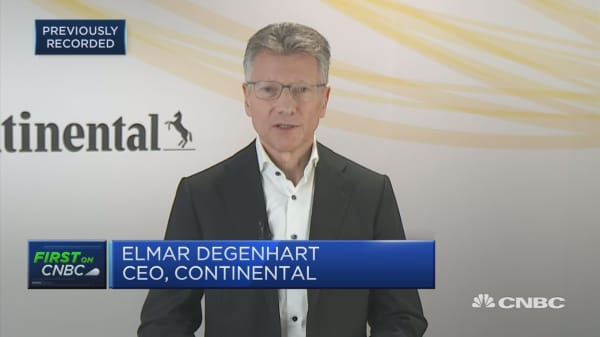 Continental expecting further slowdown but sees light at the end of the tunnel, CEO says