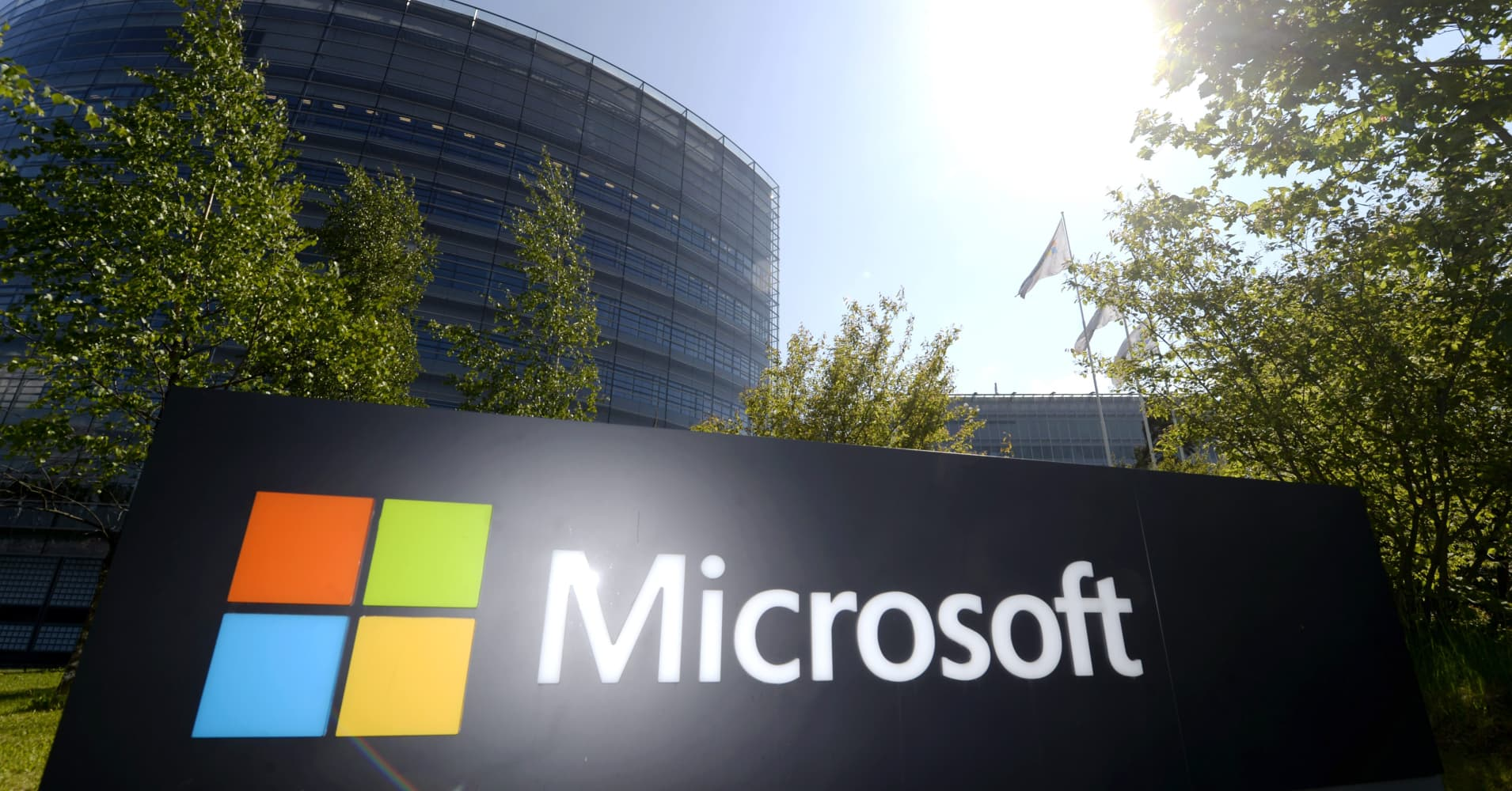 Microsoft to buy energy from 74-megawatt solar power facility in North Carolina