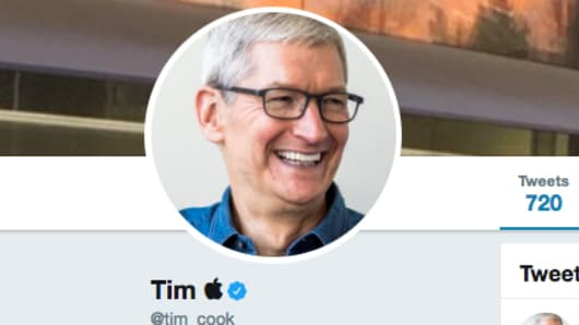 Apple CEO updates his Twitter profile to Tim Apple