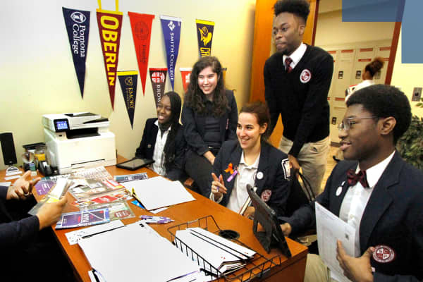 Robert Lane working with members of Southland College Prep's class of 2019