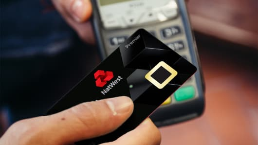 NatWest is testing bank cards that let customers use their fingerprint to authorize transactions.