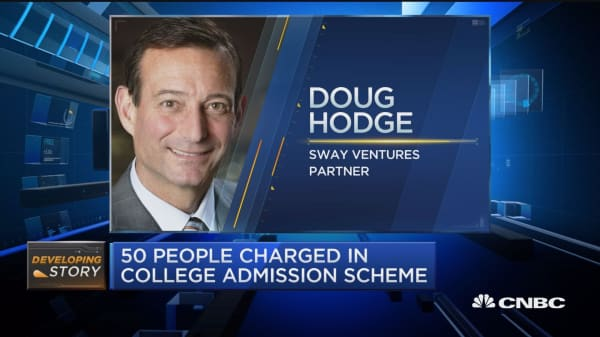 Former PIMCO CEO, Hercules Capital co-founder among 50 people charged in college cheating scandal