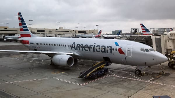 An American Airlines Boeing 737 800 sits at a gate at Los Angeles International Airport on May 24, 2018.