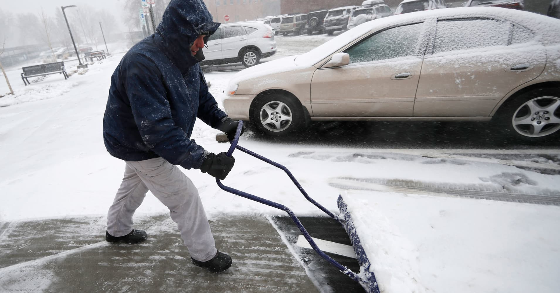 Epic storm brings blizzard, rain and tornado threat to more than 25 states in US