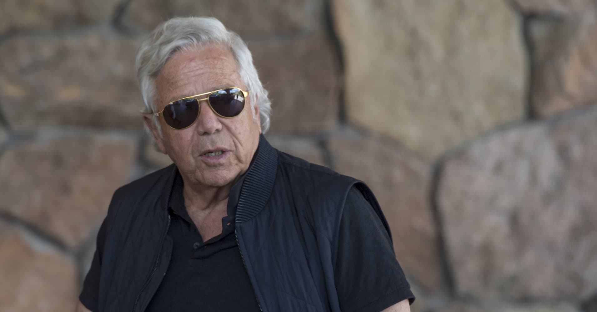 Robert Kraft will reject deal to drop prostitution solicitation case