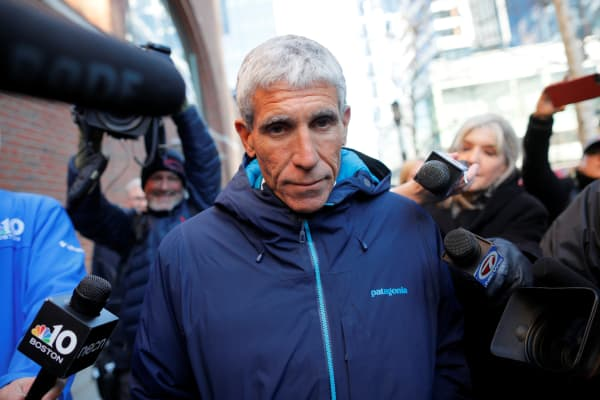 """William """"Rick"""" Singer leaves federal court in Boston, where he faced charges in a nationwide college admissions cheating scheme, March 12, 2019."""