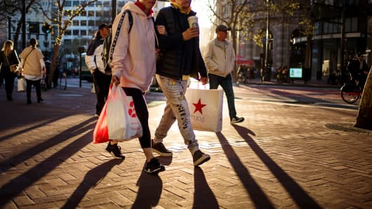 Shoppers In San Francisco Ahead Of Consumer Comfort Figures