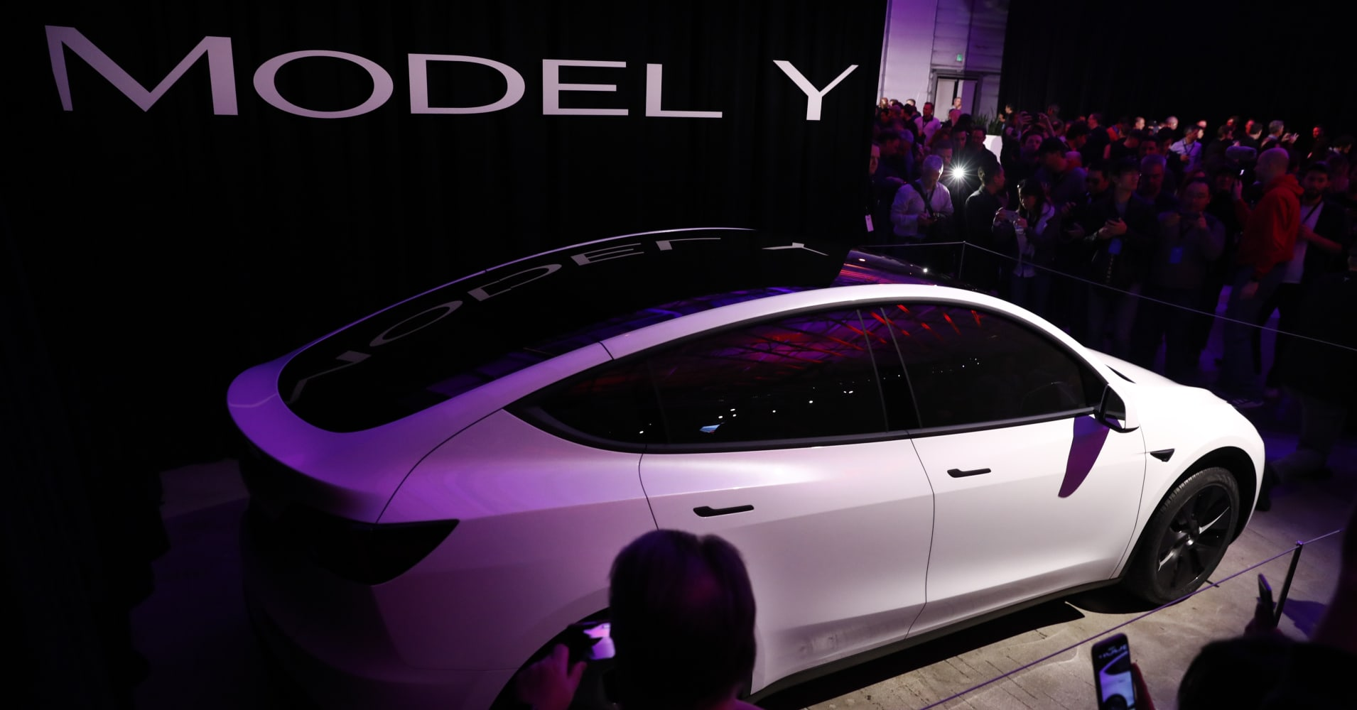 Here's what Wall Street analysts are saying about Tesla's Model Y: 'Underwhelming', 'no surprises'