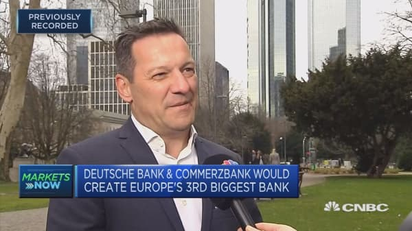Nobody likes Deutsche-Commerzbank deal, head of German investment body says