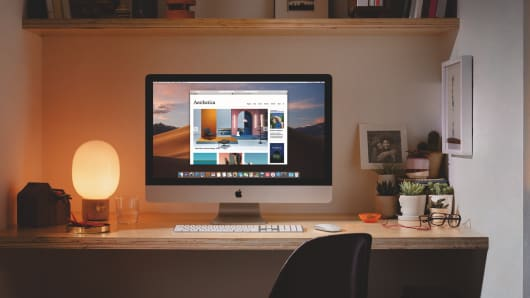 Apple updates its iMacs with faster processors and better graphics