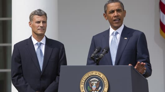 U.S. President Barack Obama, right, announces Alan Krueger as a nominee to lead the White House Council of Economic Advisers in the Rose Garden of the White House in Washington, D.C., U.S., on Monday, Aug. 29, 2011.