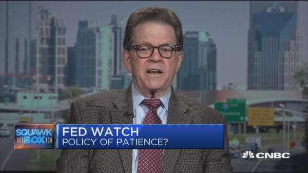 The talk of a rate cut from the Fed is premature, says economist Arthur Laffer