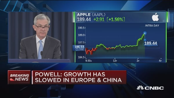 Powell: Brexit, trade talks pose some risks to outlook