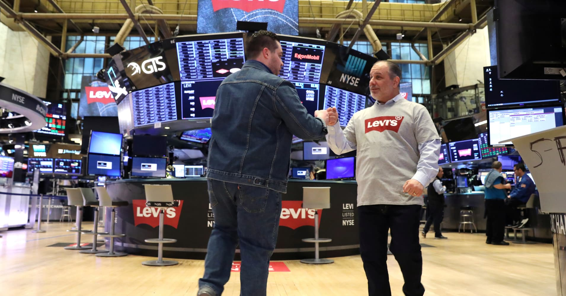 IPOs are red hot, doubling the return of the market, as Levi Strauss kicks off wave of offerings