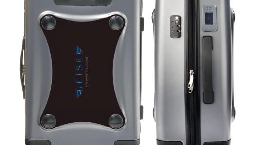 GetSet Luggage has a new polycarbonate suitcase that addresses that problem by weighing itself while you pack.