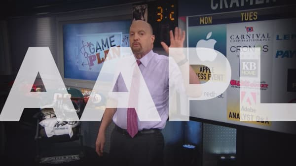 Cramer Remix: Apple could decline, no matter what new products it announces on Monday