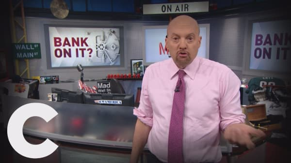 Cramer Remix: The head and heart don't align on Citibank