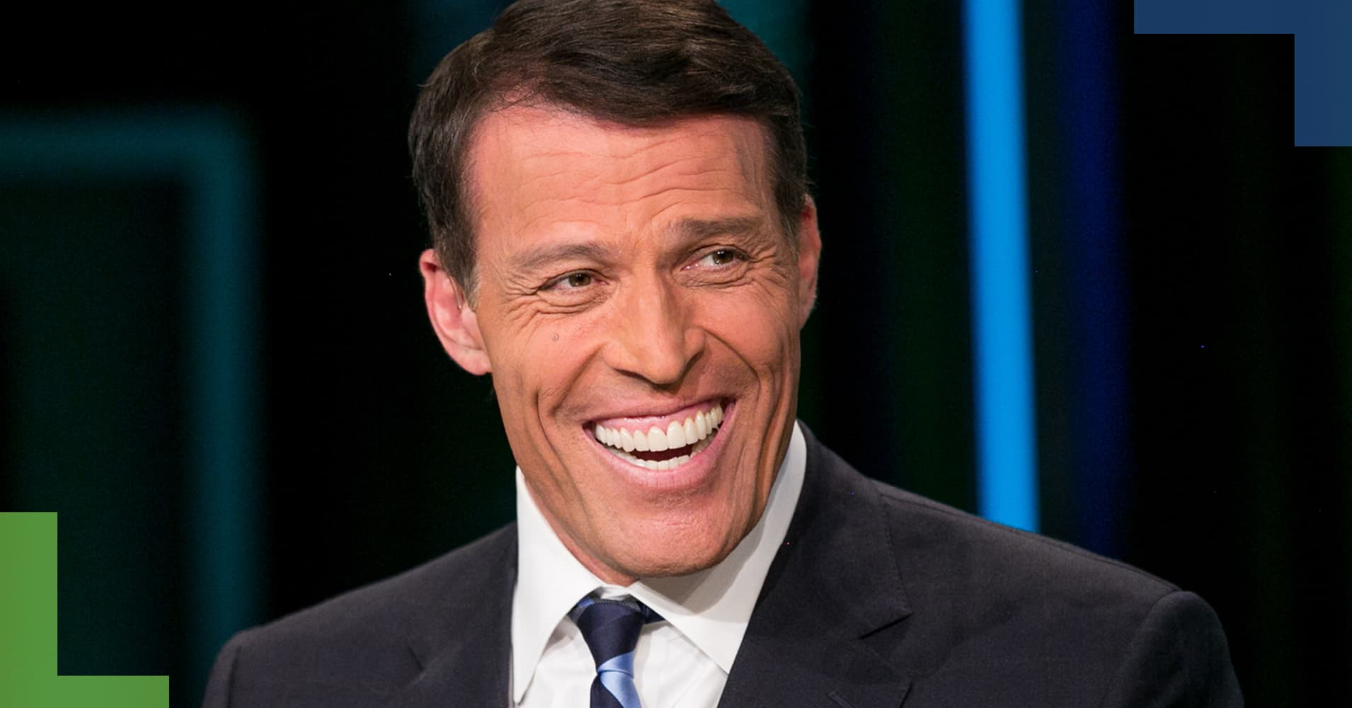Tony Robbins' top 3 book recommendations: 'Readers are leaders'