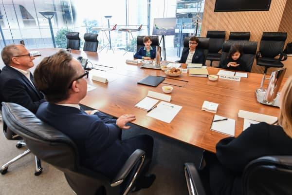 Executives of Qantas Group and Oceania Express