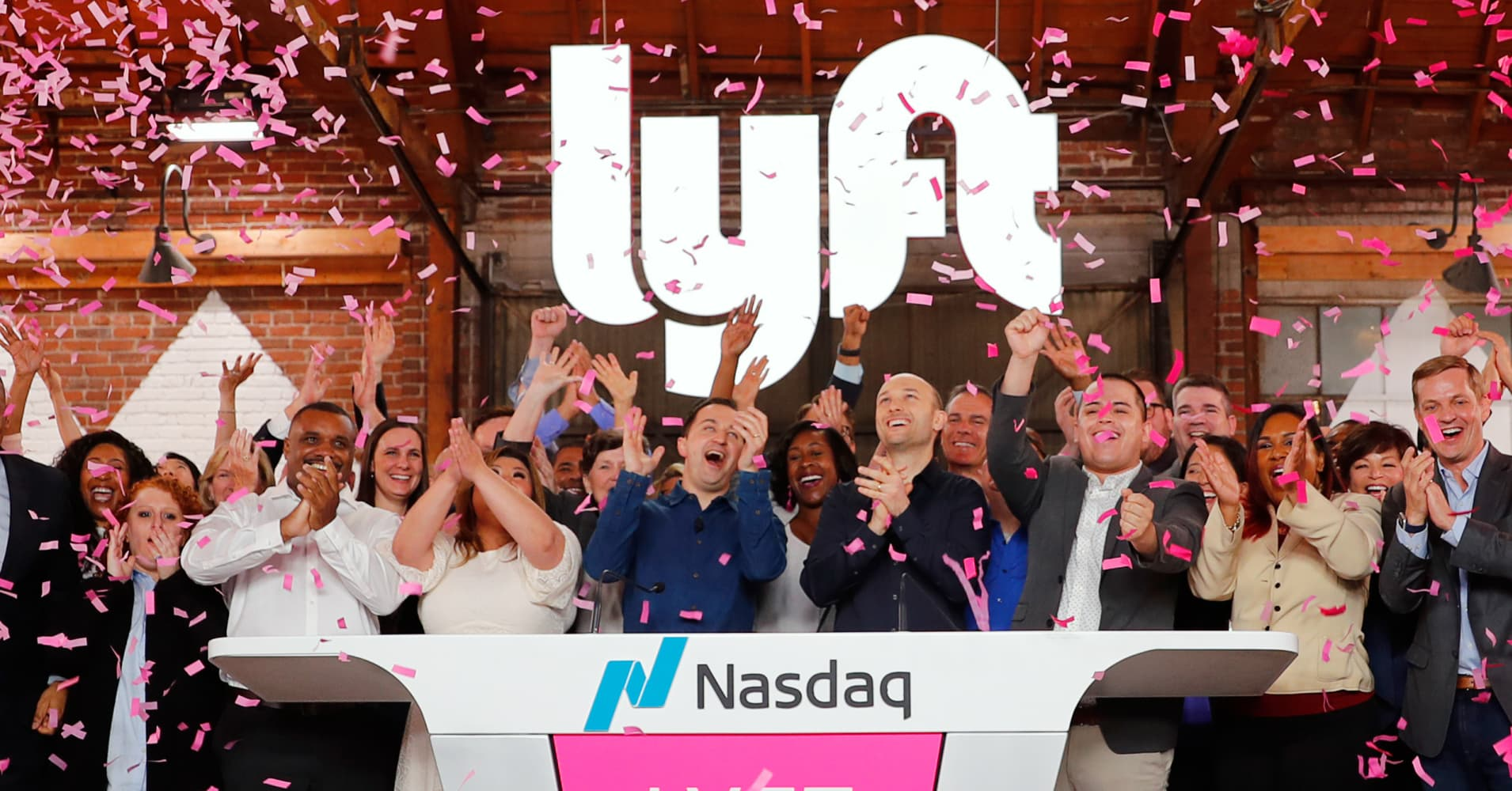 Lyft pops 20% in trading debut
