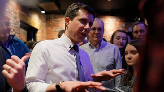 Democratic 2020 U.S. presidential candidate and South Bend Mayor Pete Buttigieg greets voters during a campaign stop at Portsmouth Gas Light in Portsmouth, New Hampshire, U.S., March 8, 2019.