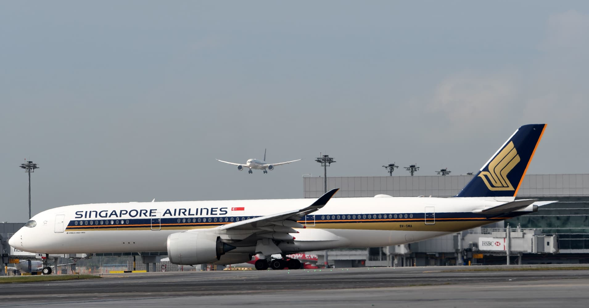Singapore Airlines grounds two 787-10s citing Rolls-Royce engine problem