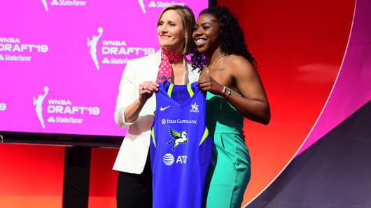 Christy Hedgpeth poses with Arike Ogunbowale after being drafted by the New York Liberty during the 2019 WNBA Draft on April 10, 2019 at Nike New York Headquarters in New York, New York.