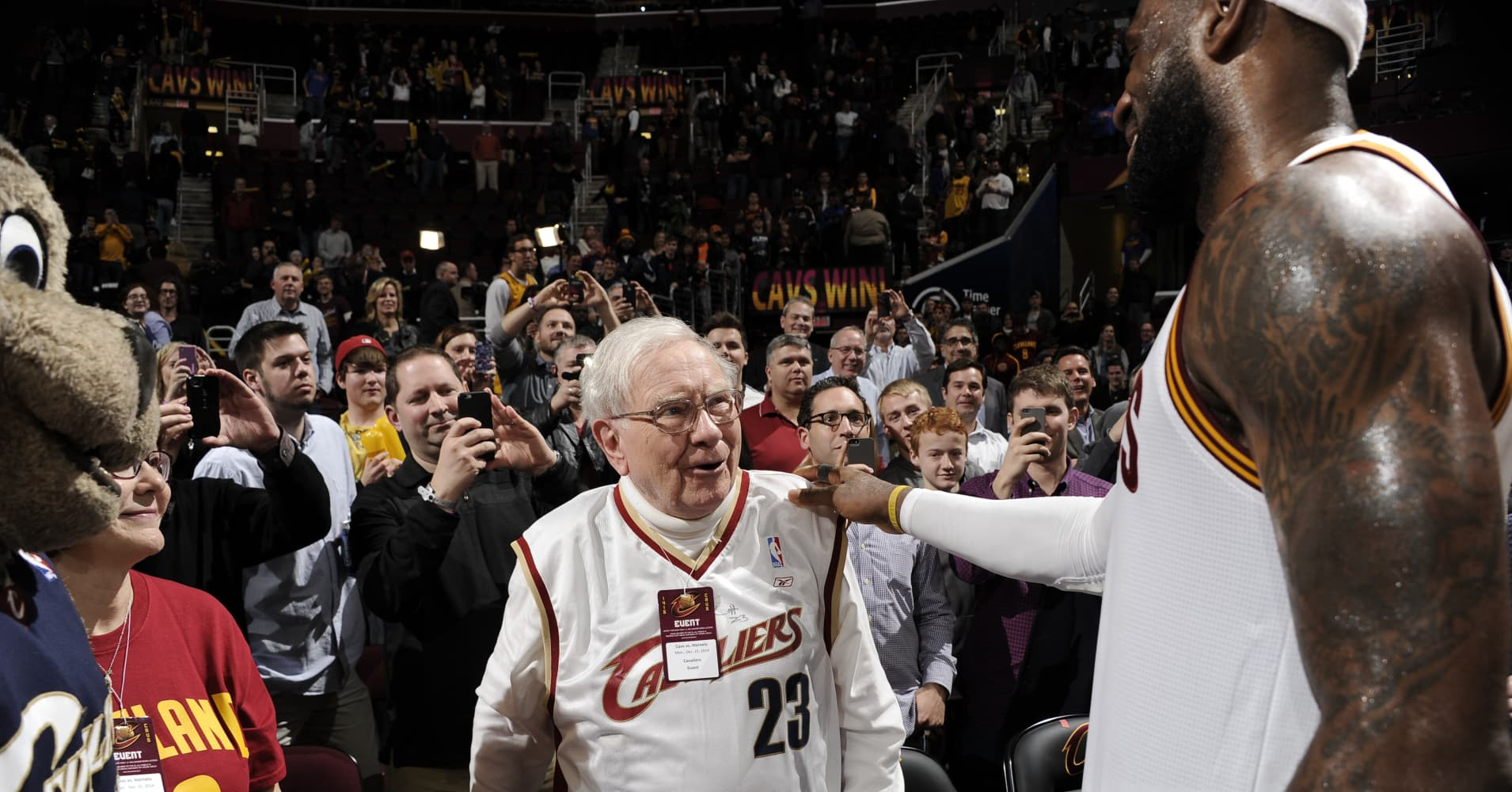 What impressed Warren Buffett when he first met LeBron James—and it wasn't his basketball skills