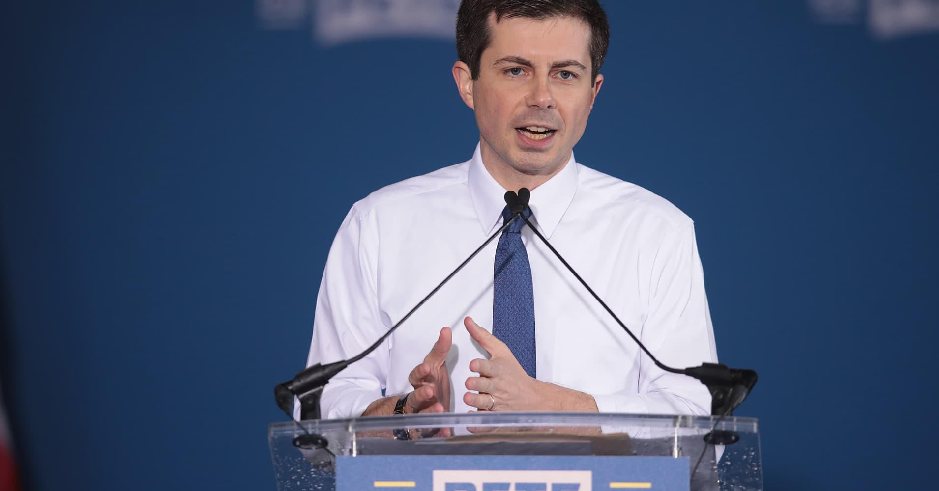 Rising star Pete Buttigieg enlists Obama and Clinton fundraisers for 2020 presidential run