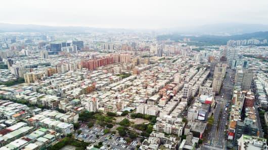 Quake of magnitude 6.1 hits Taiwan coastal city, says weather bureau