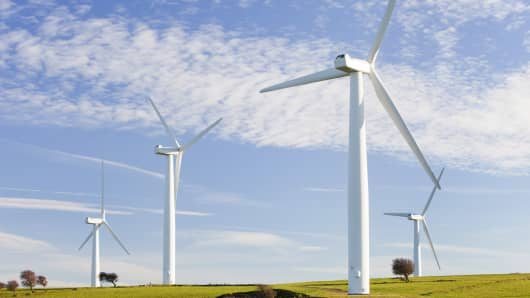 Europe invested $30 billion in new wind farms last year, report shows