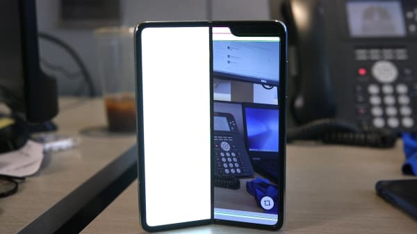 Samsung's $2,000 folding phone gave me a brief but tantalizing glimpse of the future — before it broke