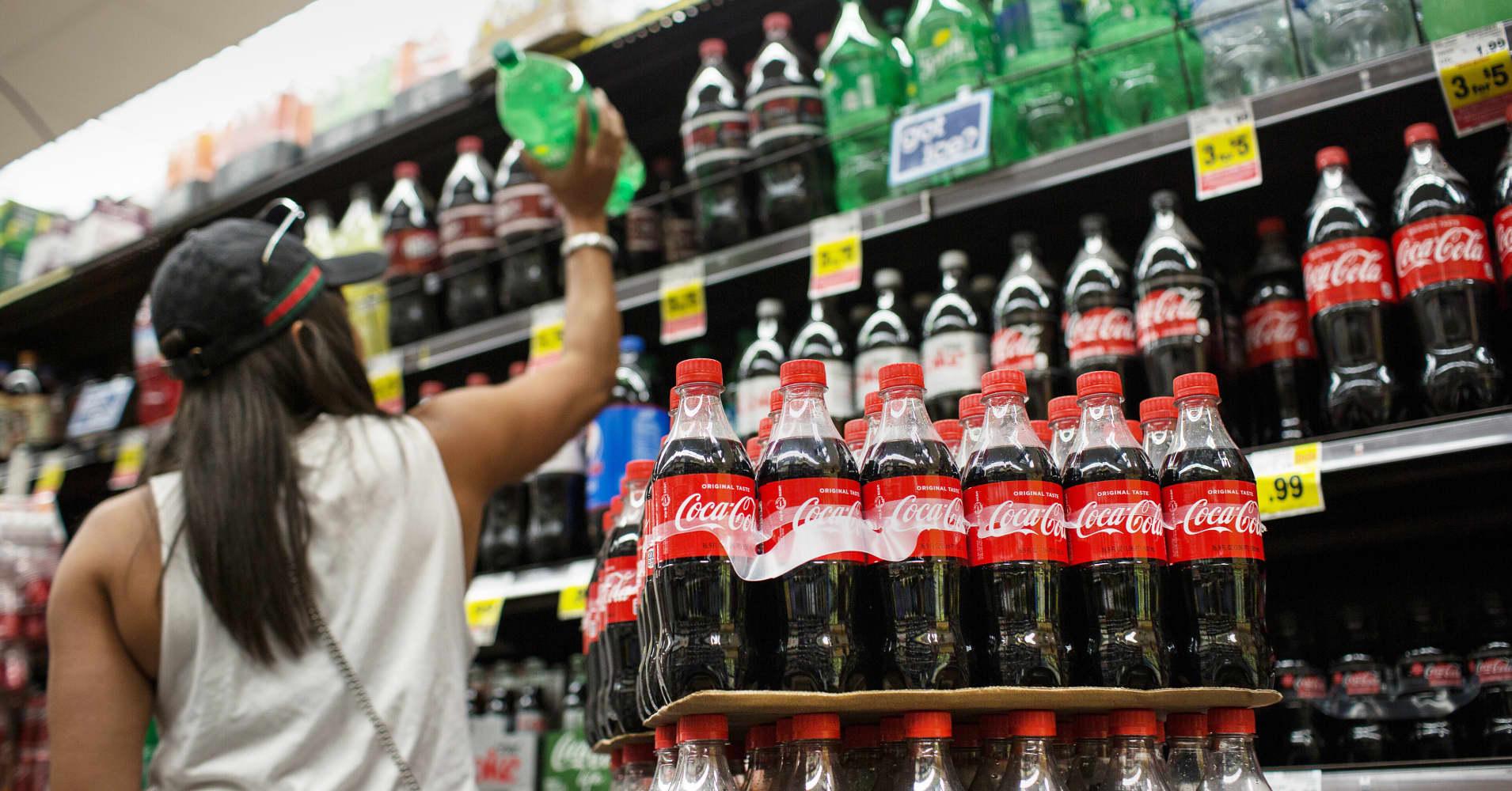 California soda tax bill shelved, in reprieve for beverage industry