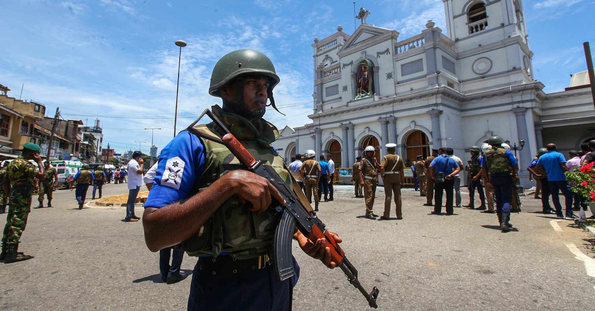 Sri Lanka says attacks carried out by suicide bombers, international network involved