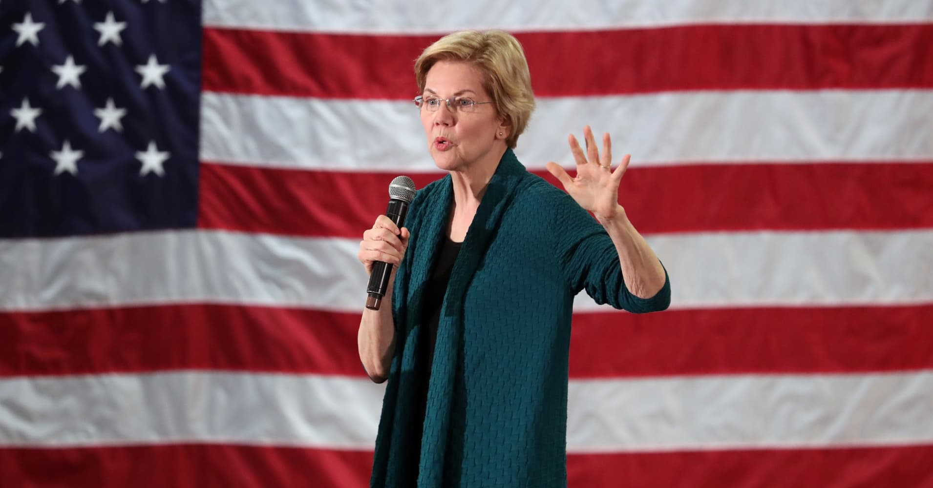 Elizabeth Warren's $1.25 trillion education plan aims to end the cycle of student debt—here's how