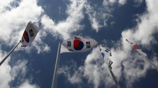 Economists downgrade GDP forecasts for South Korea after disappointing first-quarter data