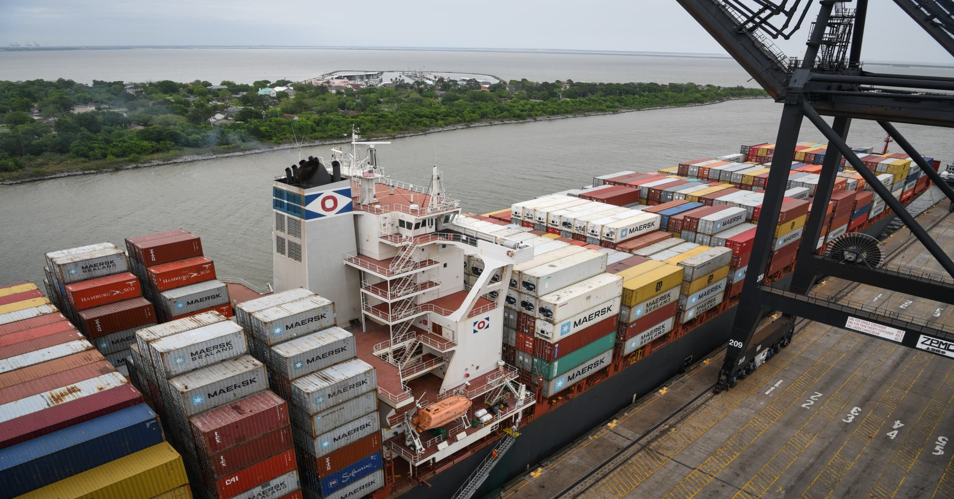 Texas exports, boosted by oil, rise 3 times faster than the US increase, outshining California
