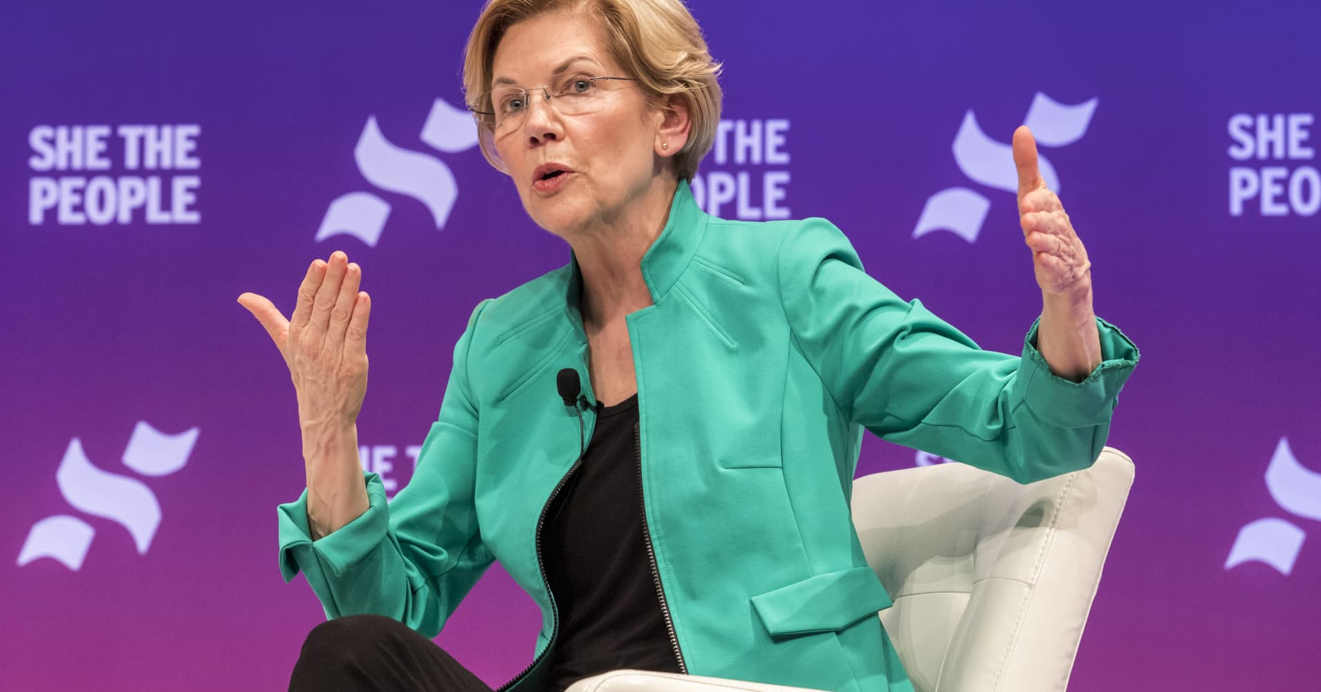 How Elizabeth Warren student loan relief plan affects the rich
