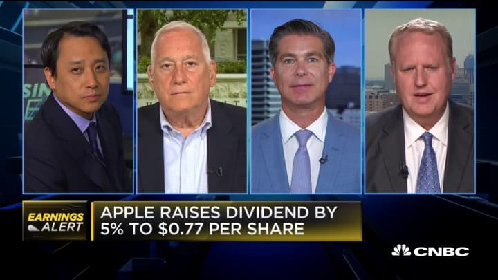 Here's what four experts think of Apple's earnings numbers