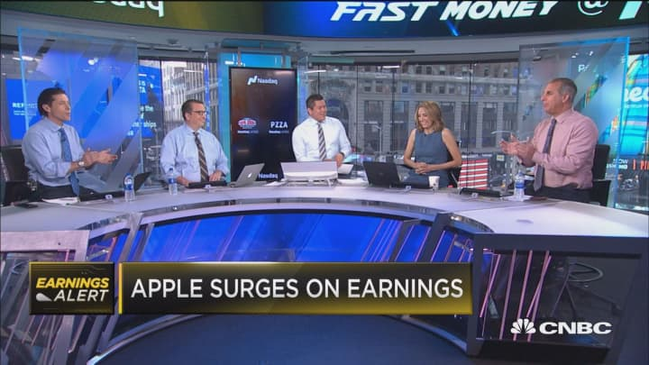 Apple surges after earning report, here's why