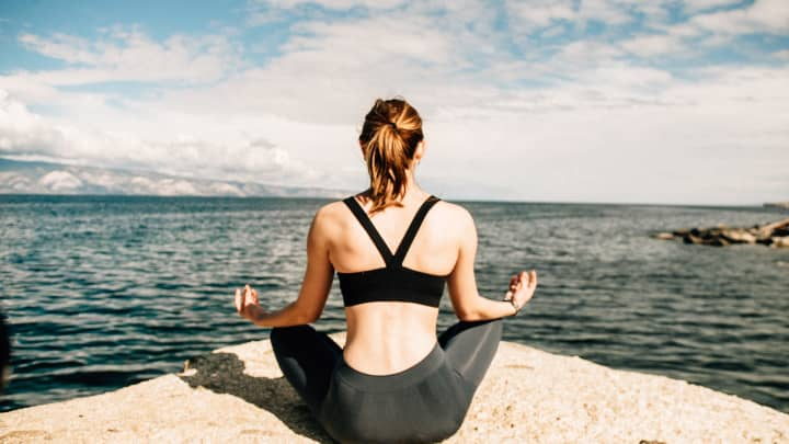 Too busy to meditate? These 4 tiny practices can immediately sharpen your focus