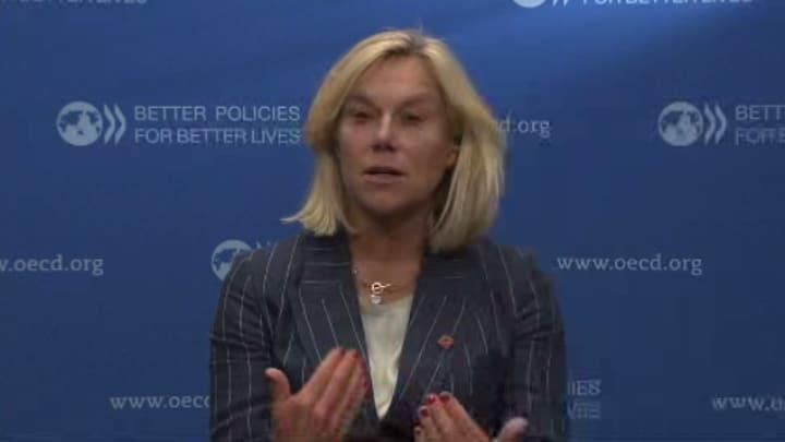 Dutch minister: EU benefits 'infinitely larger' than going it alone