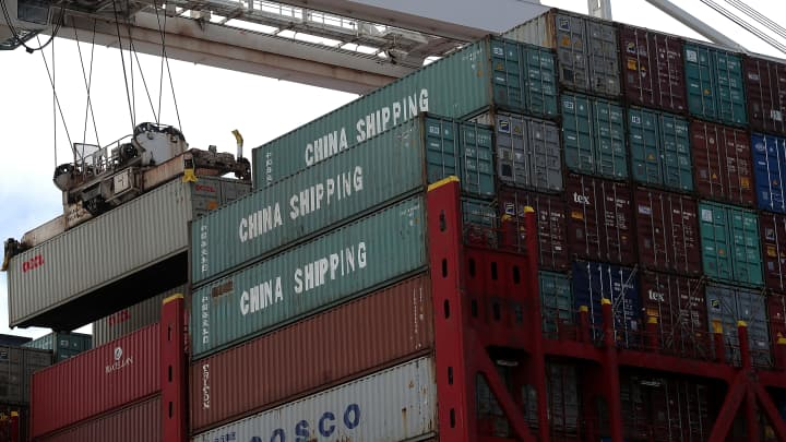 Here's what experts say about how the trade tariffs might impact the US economy