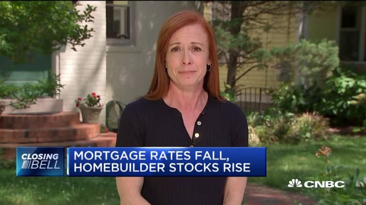 Mortgage rates fall, homebuilder stocks rise amid US-China trade tensions